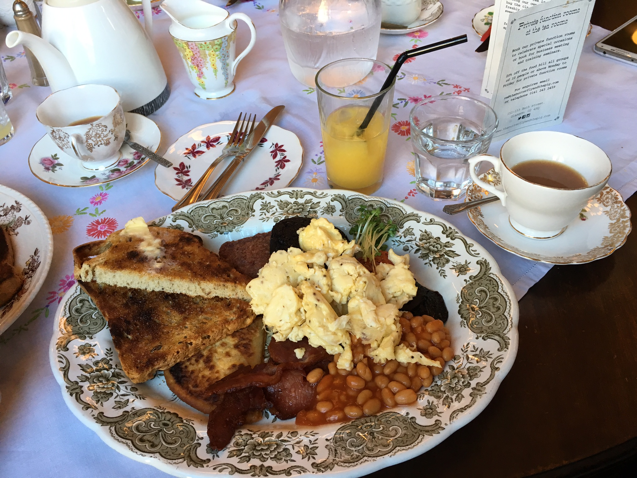 scottish-fry-up-at-butterfly-and-the-pig